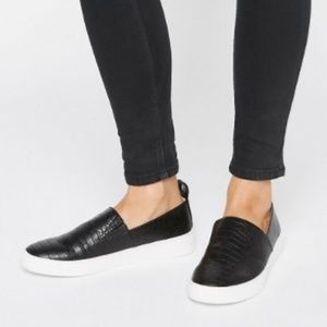 London Rebel Black Slip on Sneakers Snake Print